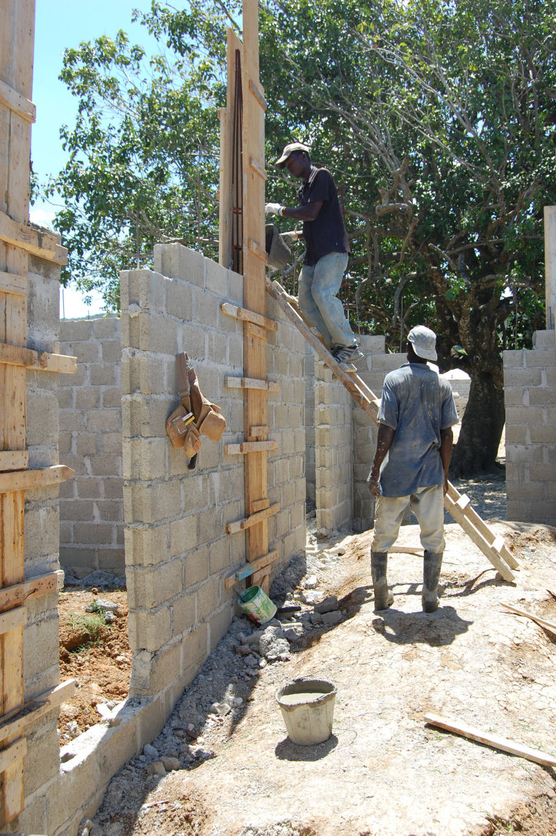 Paradise_Clinic_Construction_032610_4.jpg